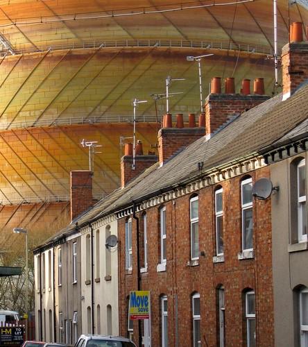An image taken around 2005 showing the gas works behind Batten Street.